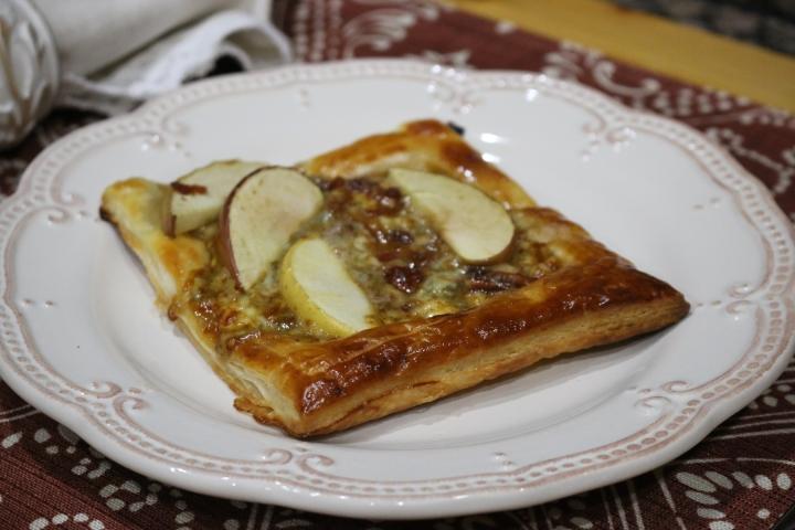 Apple Tartlets with Maple +Gorgonzola