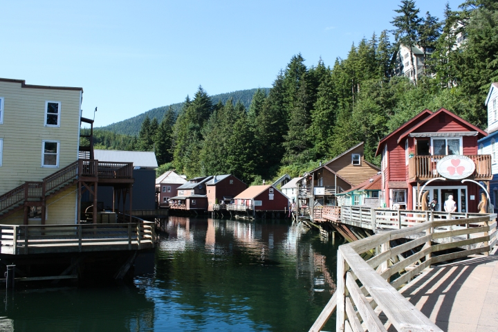 Food Exploring :: Ziplines & Salmon Running in Ketchikan